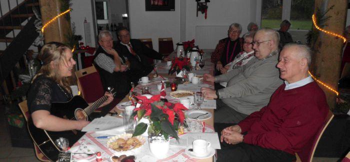 Mia Ohlsen beim kleinen Weihnachtskonzert in der Ritterhuder Mühle 2014 (Foto copyright: MammaMia)