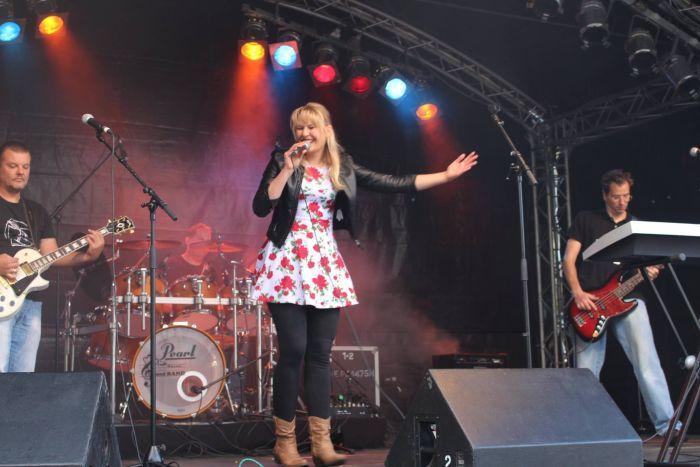 Mia Ohlsen und Band beim Hammefest 2015 in Ritterhude (Foto copyright: MammaMia)